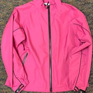 Bright pink #golf #footjoy #wind